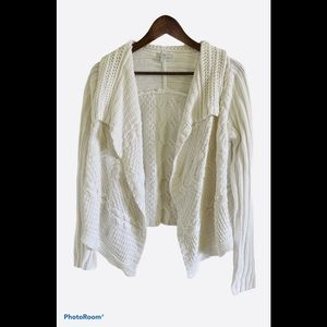 Gap thick knit white cardigan